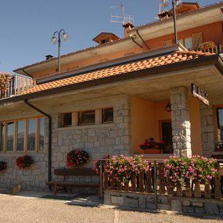 ristorante-e-pizzeria-albergo-legazzuolo-montecampione-10