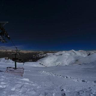 La neve di notte a Montecampione