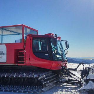 Trasporto con Gatto delle nevi al rifugio Tana del lupo